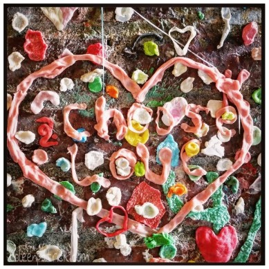 Seattle post alley gum wall choose love