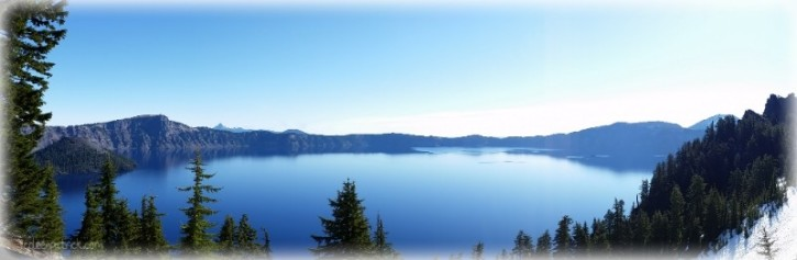 crater lake oregon panoramic view