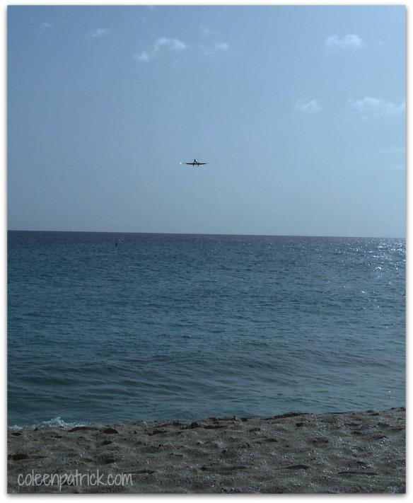 jet landing maho beach
